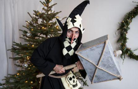 Trolis grobia Kalėdas