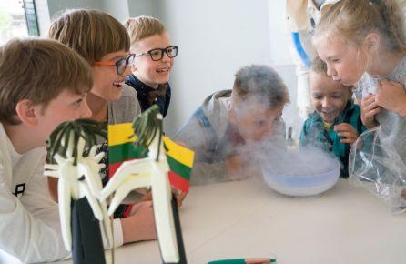 gimtadienis vaikams - azoto eksperimentas