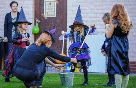 Jaunos raganaitės