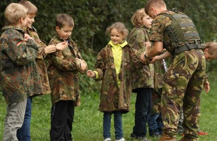 Vaikų gimtadieniai kareivinėse