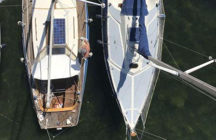 Plaukimas burine jachta